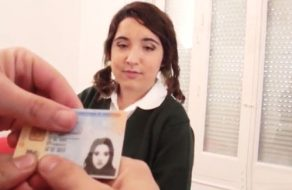 imagen Colegiala española de 18 años en su primer video porno