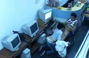 imagen Camaras de seguridad les graban follando en el cibercafe