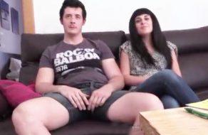 imagen Joven pareja española graba su primer video porno