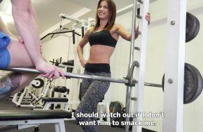 imagen Entrenadora de fitness acaba follando por dinero