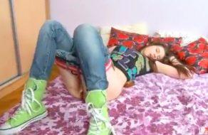 imagen Joven rusa de 18 años en su primer video porno