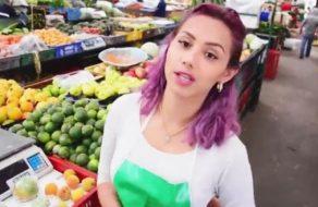 imagen Joven frutera de Colombia follando por dinero con desconocidos