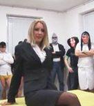 imagen Madurita oficinista follada por un monton de hombros
