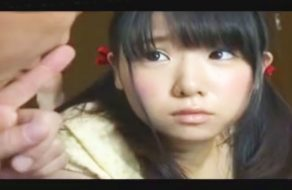 imagen Padre japones viola a su hija en el suelo de la casa