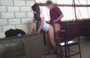 imagen Cogida amateur en el aula de la universidad