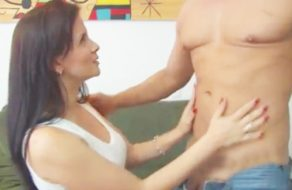 imagen Colombiana madurita se venga del esposo grabando porno