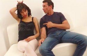 imagen Española de 18 años folla con otro hombre delante de su novio