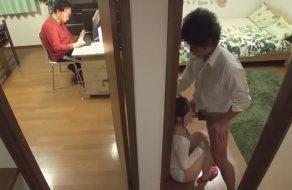imagen Hijo viola a su madre ¡y el padre no se entera!