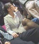 imagen Ninfomana japonesa se la chupa a un pasajero en el autobus