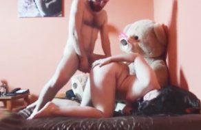imagen Polvazo a la española con el osito Teddy mirando
