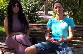 imagen Madurita de internet acepta grabar porno con su nuevo amiguito