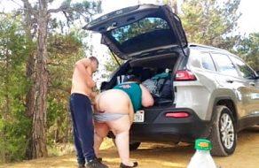imagen Sexo con la gorda del pueblo en medio del campo