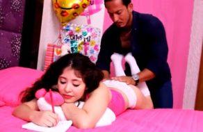 imagen Hijita mexicana follada por su padre todas las noches