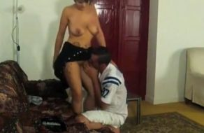imagen Graba con camara oculta como se folla a la vecina casada