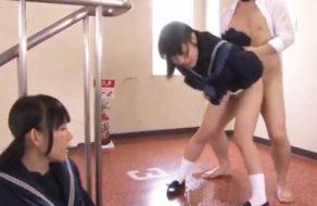imagen Colegialas japonesas folladas en los pasillos de la escuela