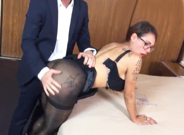 secretarias tetonas gordos follando