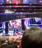 imagen Follando en el baño del teatro ¡gala de entrega premios Goya!