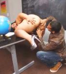 imagen Morboso profesor se folla a la alumna más gorda de todo el colegio