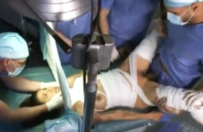 imagen Chica paralitica violada por los doctores del hospital
