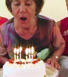 imagen Viejita celebra su 80 cumpleaños con un trio de sexo