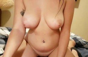 imagen Canaria tetona disfruta grabando porno casero con el novio