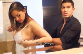 imagen Madre e hijo comparten habitación de hotel y acaban follando (incesto)