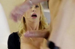 imagen Madre abusa de su hijo sonámbulo y le saca toda la leche