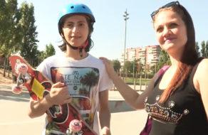 imagen Madura española se folla a un chaval de 18 años recién cumplidos