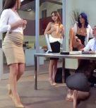 imagen Jefe afortunado se folla a todas las empleadas putas de su empresa