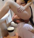 imagen Calvo le come el coño a su novia en el cuarto de baño (español)