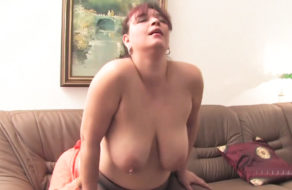 Funny girl talks about blowjob