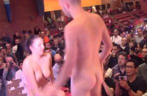 imagen Pamela Sanchez follando en el Salón erótico de Barcelona