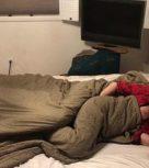 imagen Madre cachonda se folla a su hijo porque no consigue dormirse