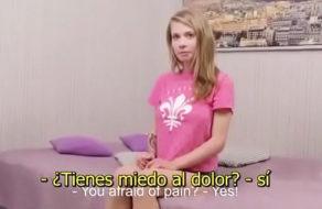 imagen Jovencita de 18 años pierde la virginidad (sub español)