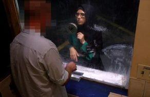 imagen Refugiada árabe pide asilo y se la follan para echarle una mano