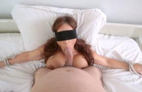 imagen Hijo folla la boca de su madre a lo bestia (incesto)